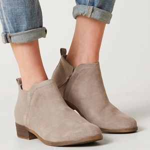 TOMS Deia Zip Ankle Bootie NEW New in box